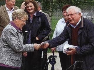Ulrich Thater und Familienangehörige ehemaliger Mitarbeiter